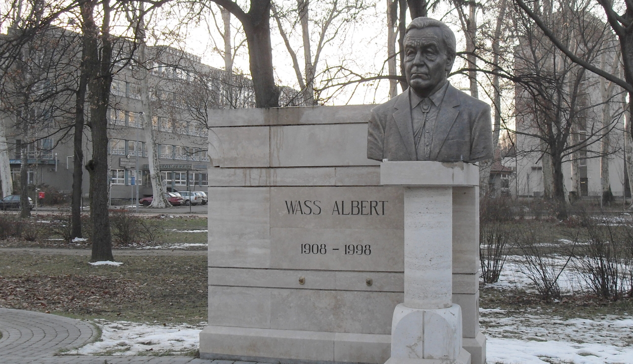Ügyészség: nem tilos megemlékezni Wass Albert irodalmi munkásságáról