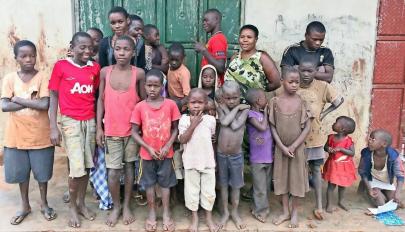 44 gyermeket szült 41 éves koráig. A férjnek betelt a pohár