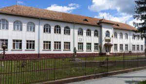 A Jancsó Benedek-iskola impozáns épülete. 1500 négyzetméternyi födém vár cserére