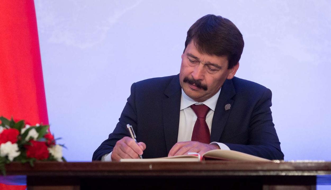 Áder János az ukrán és a román elnökhöz fordult a folyószennyezések miatt