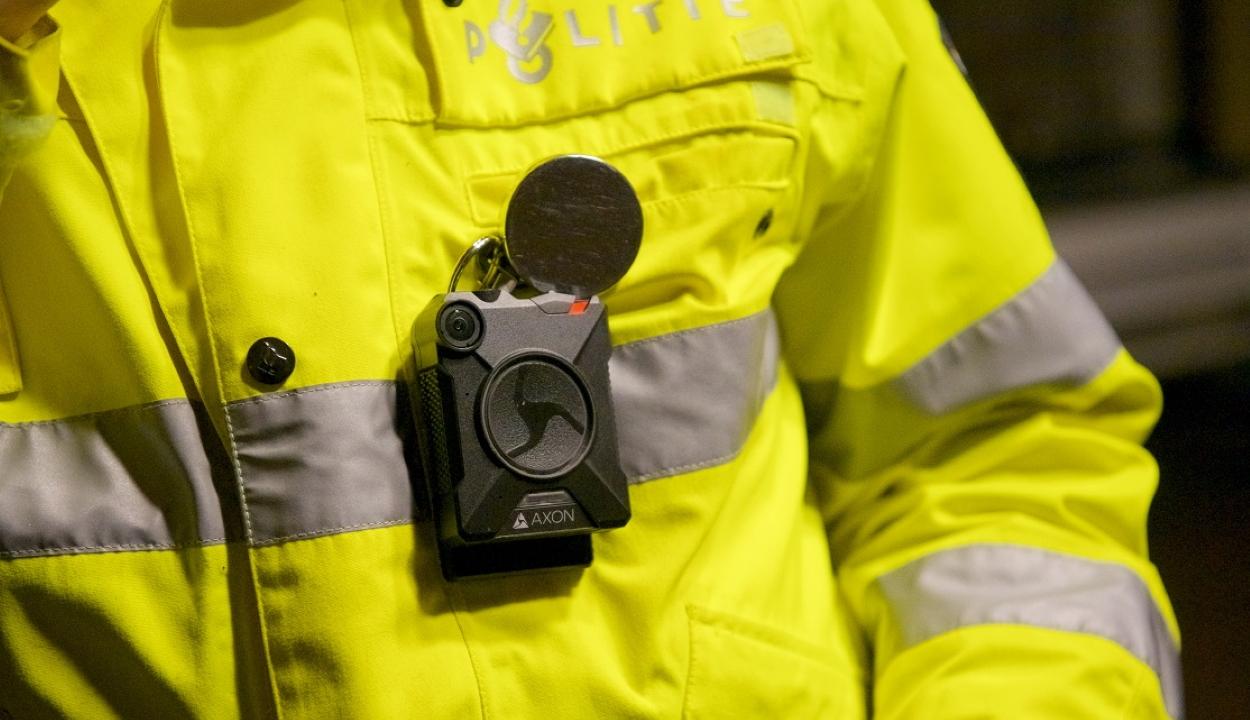 Testre szerelhető kamerákkal fogják ellátni a járőröző rendőröket