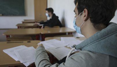 Tanügyminiszter: az országos vizsgák fizikai jelenléttel zajlanak, bármilyen lesz a helyzet