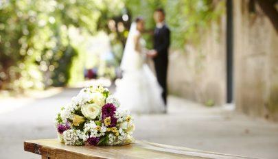 Újabb lazítás: éjjel 2 óráig tarthatnak az esküvők és keresztelők