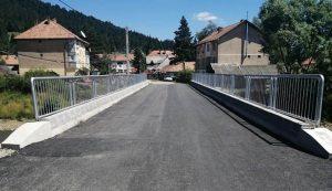 Az új hídra rákerült már az aszfaltréteg
