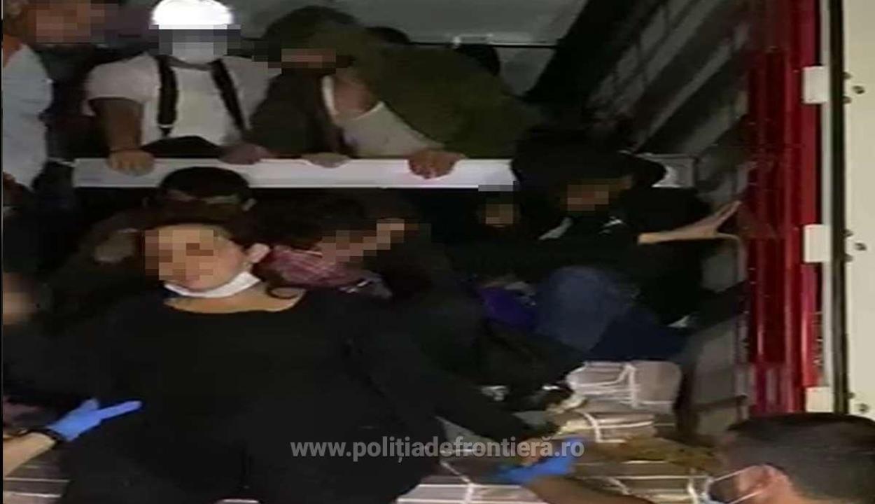 Közel 50 illegális bevándorlót találtak egy tehergépkocsiban Nagylaknál
