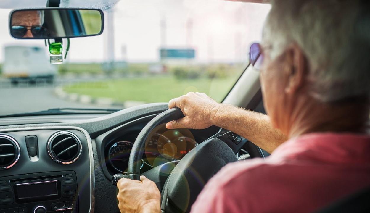 Rendőrség: sok balesetet okoznak a jobbkormányos autók vezetői