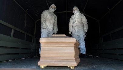 Az EU-ban márciustól júniusig az átlagosnál 170 ezerrel több haláleset történt
