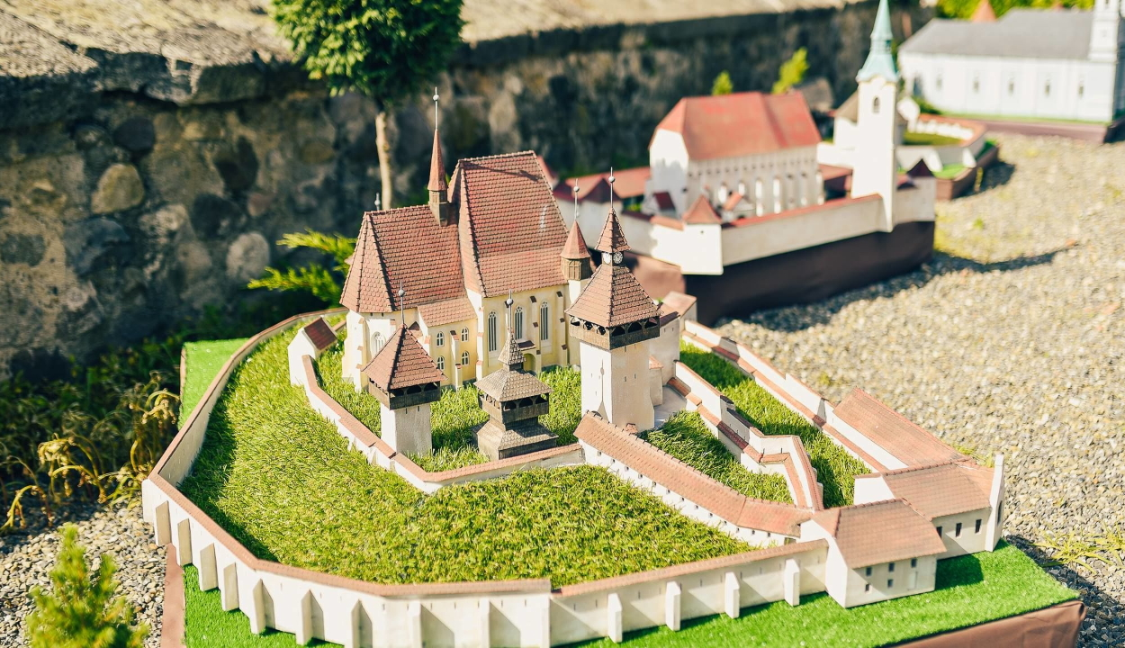 Mini Erdély-parkot nyitnak szombaton Szejkefürdőn