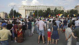 A karanténtörvény ellen vonultak utcára többtucatnyian Bukarestben