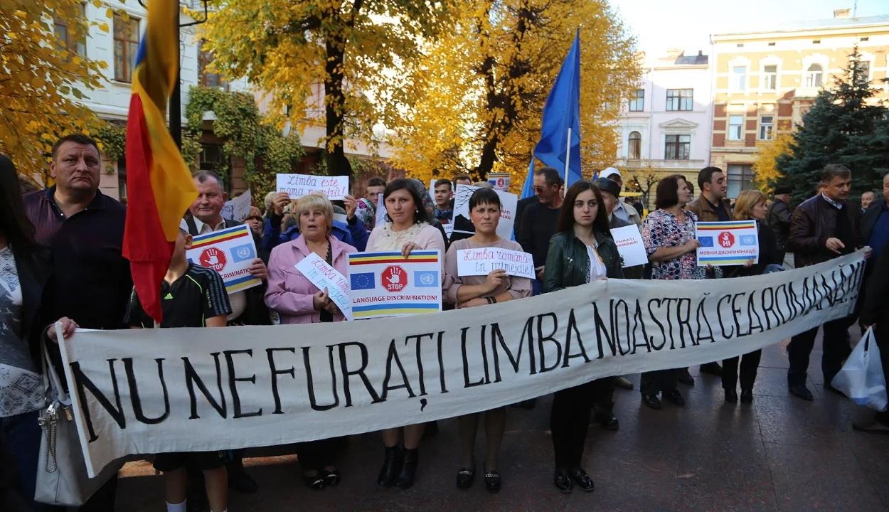 """""""Kulturális népirtásra"""" panaszkodnak az ukrajnai románok"""
