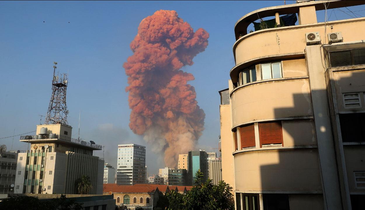 Hatalmas robbanás történt Bejrútban, több tucat halálos áldozat van