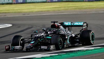 Forma-1: Hamiltont a defekt sem tudta megállítani