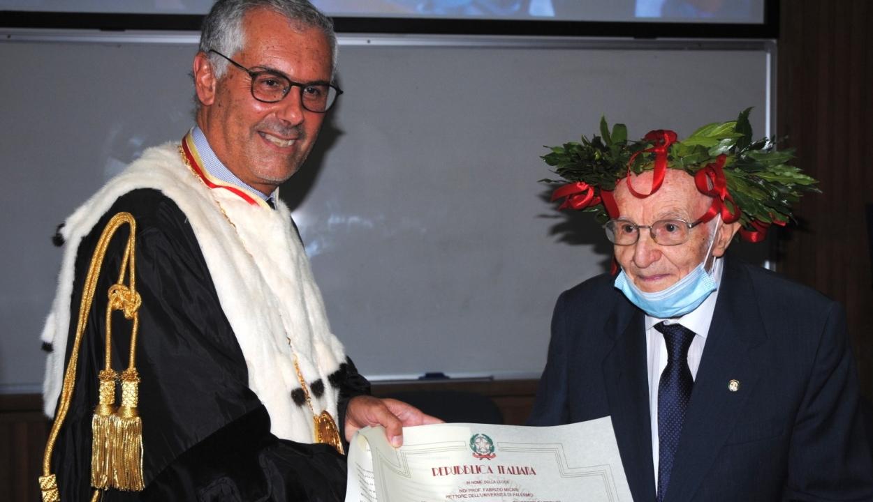 96 évesen, osztályelsőként végzett egyetemet egy olasz férfi