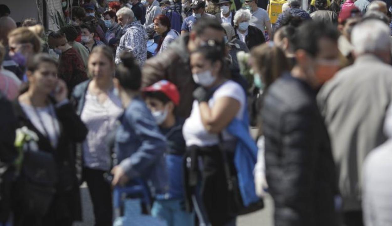 Felmérés: a járvány második hulláma esetén a lakosság többsége ismét vállalná a megszorításokat