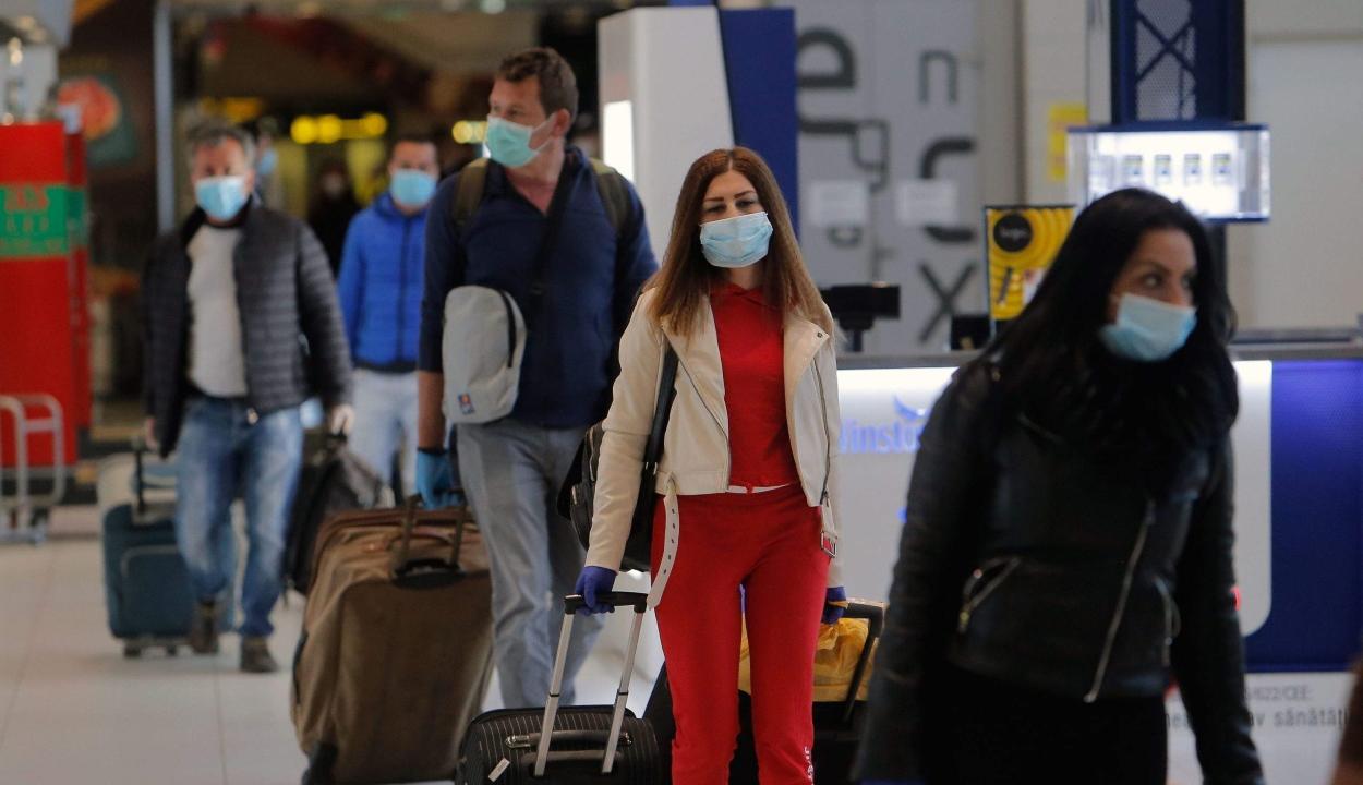 Márciustól vakcinaútlevelet vezetnek be a légitársaságok