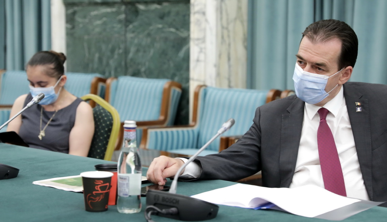 A miniszterelnök egyelőre nem hajlandó tárgyalni az éttermek újranyitásáról