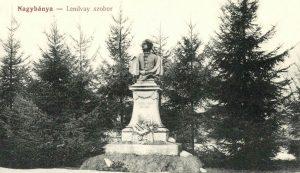 Lendvay Márton színész szobra Nagybányán (1912). Neki sem kegyelmeztek kepeslapok.files.wordpress.com