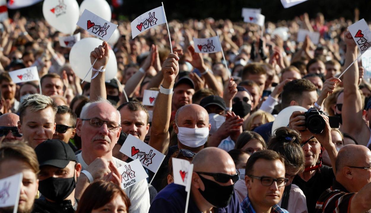 FRISSÍTVE: Zavargások törtek ki Fehéroroszországban az elnökválasztás eredményei miatt