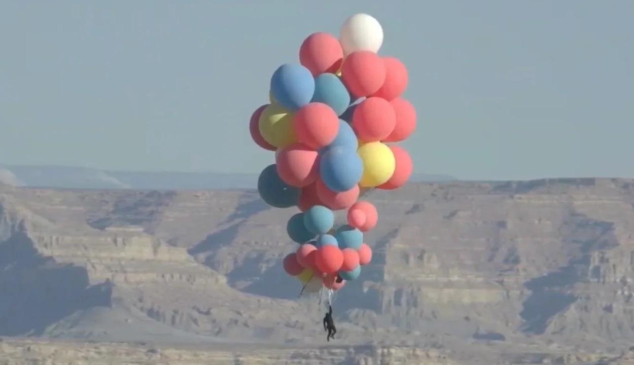 7500 méter magasra repült fel léggömbökbe kapaszkodva a híres illuzionista