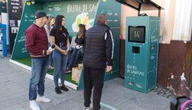 Két héten keresztül húsz guggolásért ingyen buszjegy jár egy kolozsvári okosmegállóban