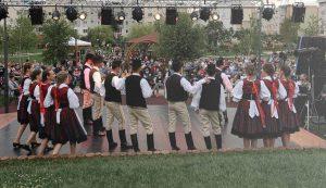A néptáncelőadások vonzották a legtöbb nézőt a parkba