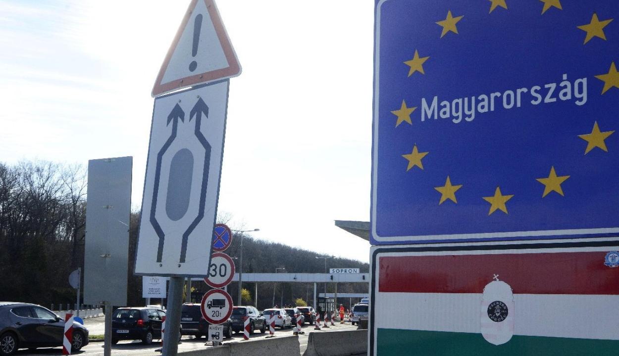 FRISSÍTVE: Leállt a forgalom a román-magyar határon az számítógépes rendszer hibája miatt
