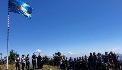Székely zászló a Nagy–Sándoron