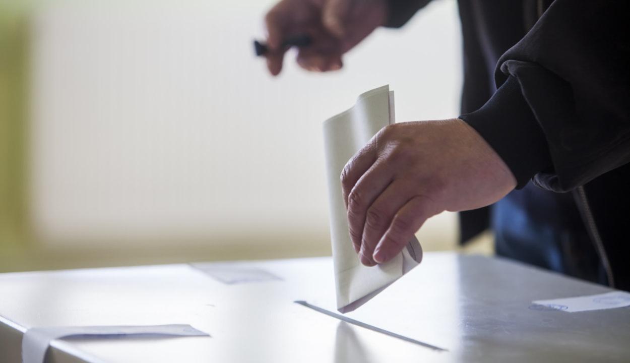 Leállítja két napra választási kampányát a PNL, a PSD és az USR