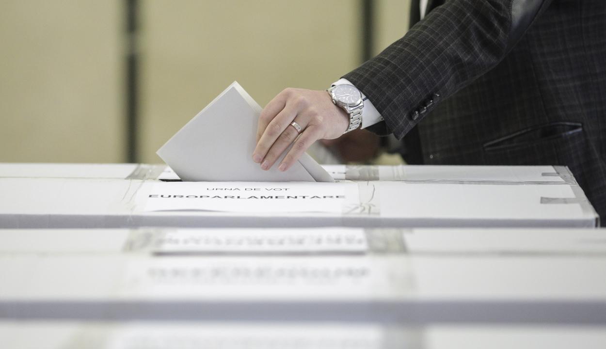 A választási iroda egy sor döntést hozott a december 6-ai választásokra vonatkozóan