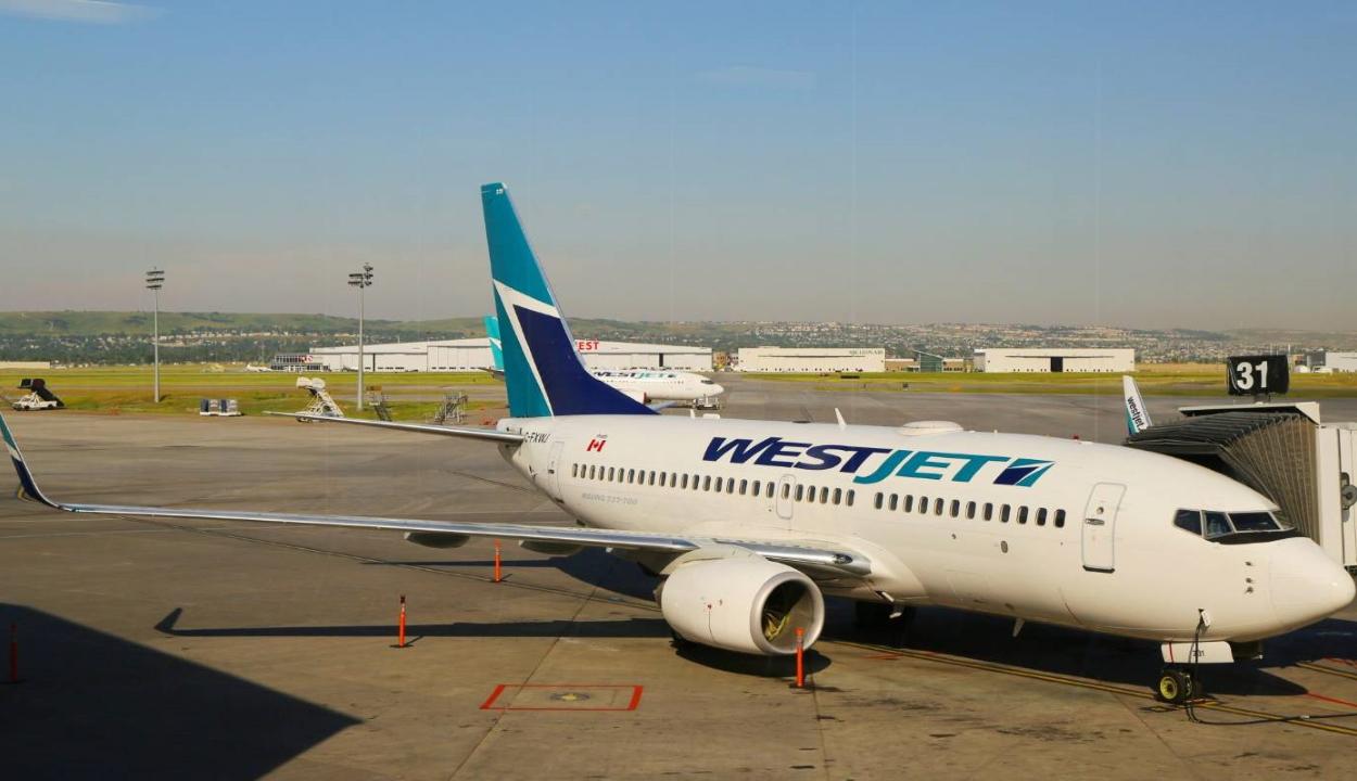 Töröltek egy kanadai járatot, mert egy 19 hónapos gyereken nem volt maszk