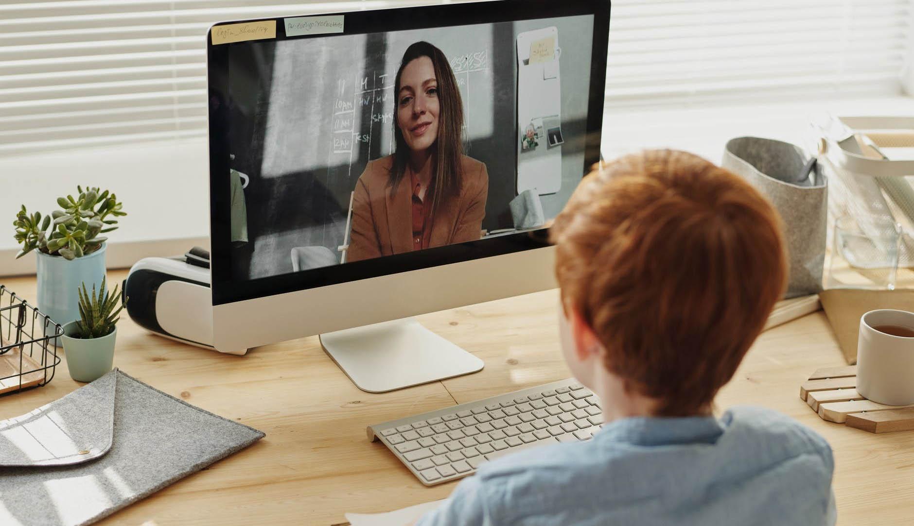 Az online oktatás konfliktust szül