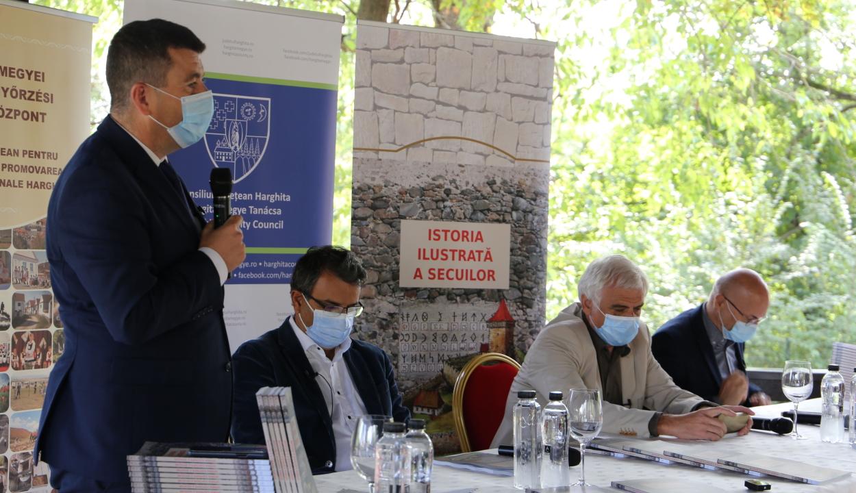 Bukarestben mutatták be A székelység története román nyelvű kiadását