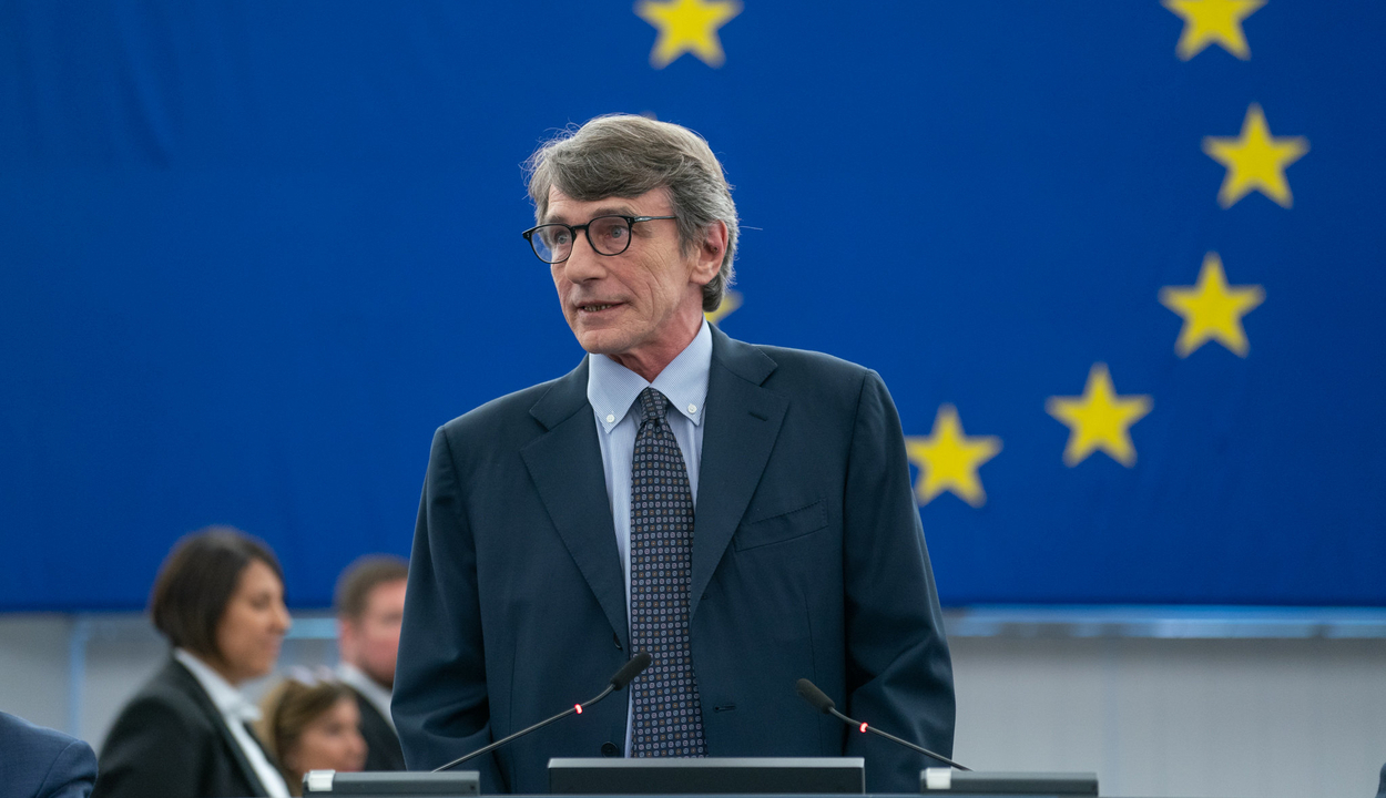 Önkéntes karanténba vonul az Európai Parlament elnöke