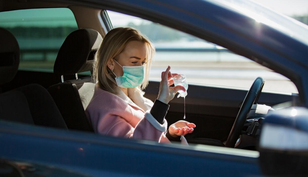 Vigyázzon a kézfertőtlenítővel az autóban, a szonda kimutathatja az alkoholt