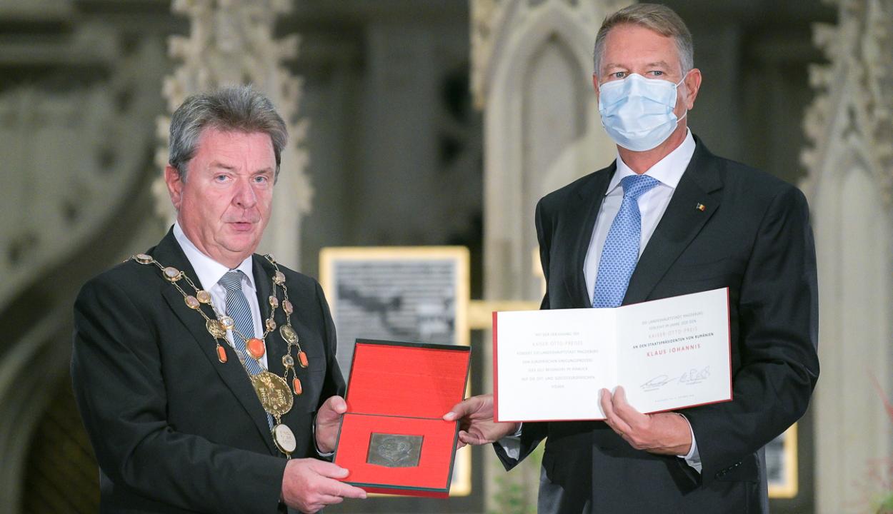 Ottó császár díjat kapott Németországban Klaus Iohannis államfő