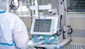 Lélegeztetőgépeket és oxigénkoncentrátorokat utalnak ki a kórházaknak az Unifarm tartalékából