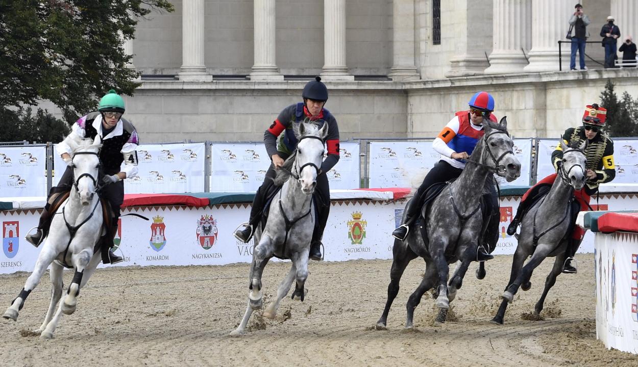 Porva lovasa nyerte a 13. Nemzeti Vágtát, Kézdialmás negyedik lett