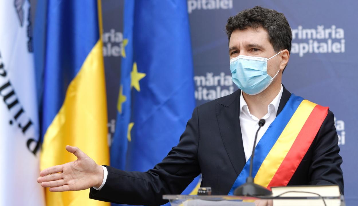 Beiktatták hivatalába Nicuşor Dant, Bukarest új főpolgármesterét