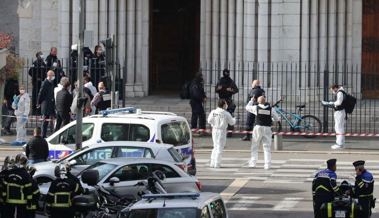 FRISSÍTVE: Támadássorozat Franciaország ellen