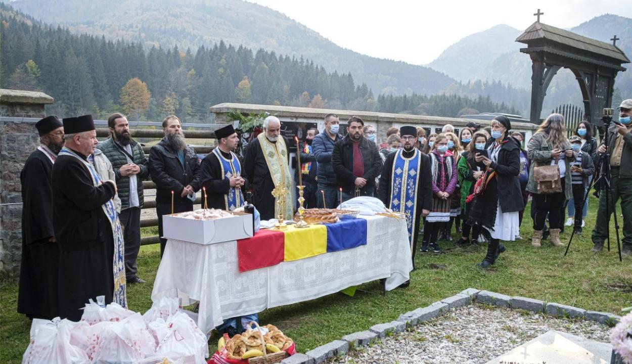 Több száz román nacionalista ünnepelte Úzvölgyében a román hadsereg napját