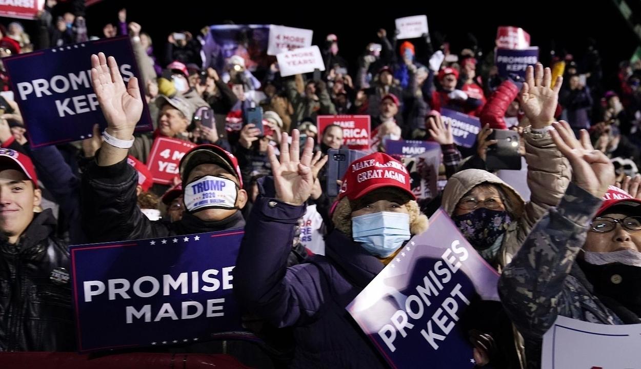 Donald Trumpért tüntettek támogatói