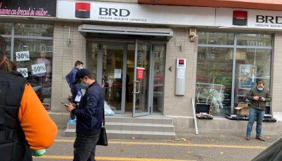 Kiraboltak fényes nappal egy bukaresti bankfiókot, 10 ezer lejt vittek el