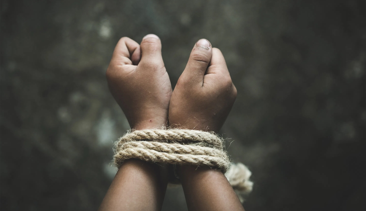 Fogva tartottak és kifosztottak egy osztrák férfit Sepsiszentgyörgyön