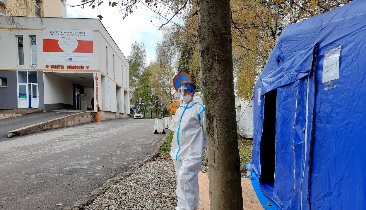 A csíkszeredai kórház 180 dolgozója kapta el a koronavírust a járvány kezdete óta