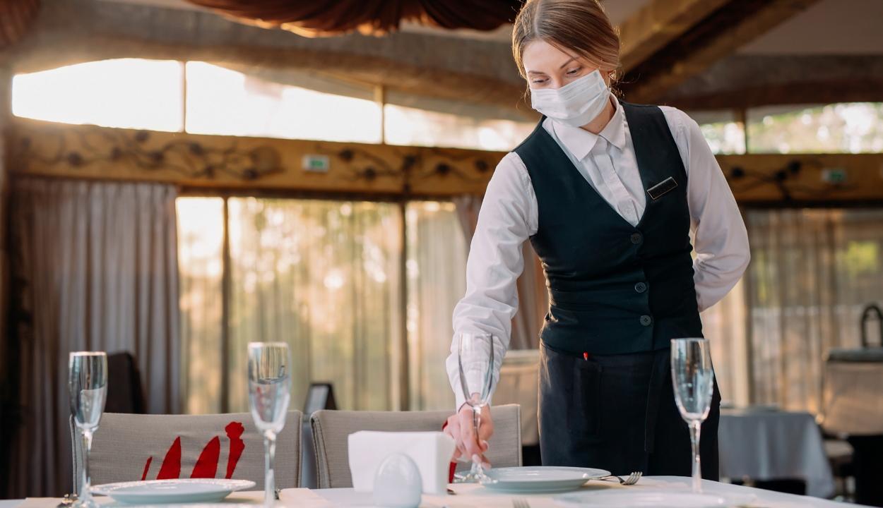Busás borravalót hagyott egy férfi egy clevelandi étteremben