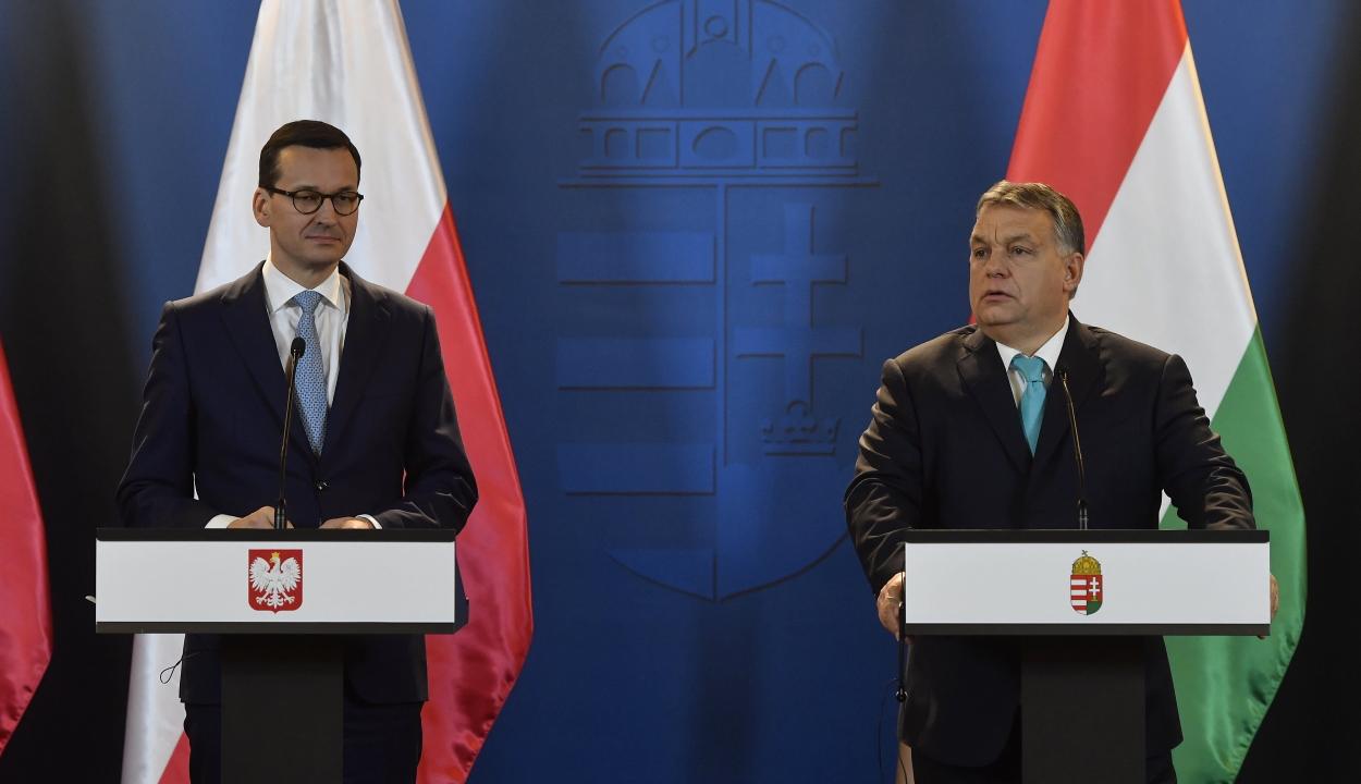 Lapértesülés: Budapest és Varsó kompromisszumot kötött Németországgal a vétó visszavonásáról