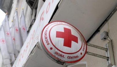 1300 nehéz körülmények között élő család jut élelmiszercsomaghoz a Vöröskereszt kampánya által