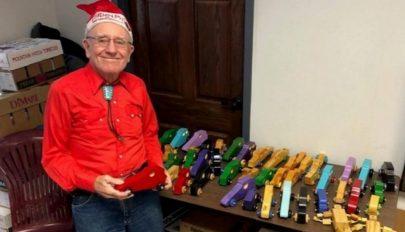 50 éve készít játékokat szegény gyerekeknek
