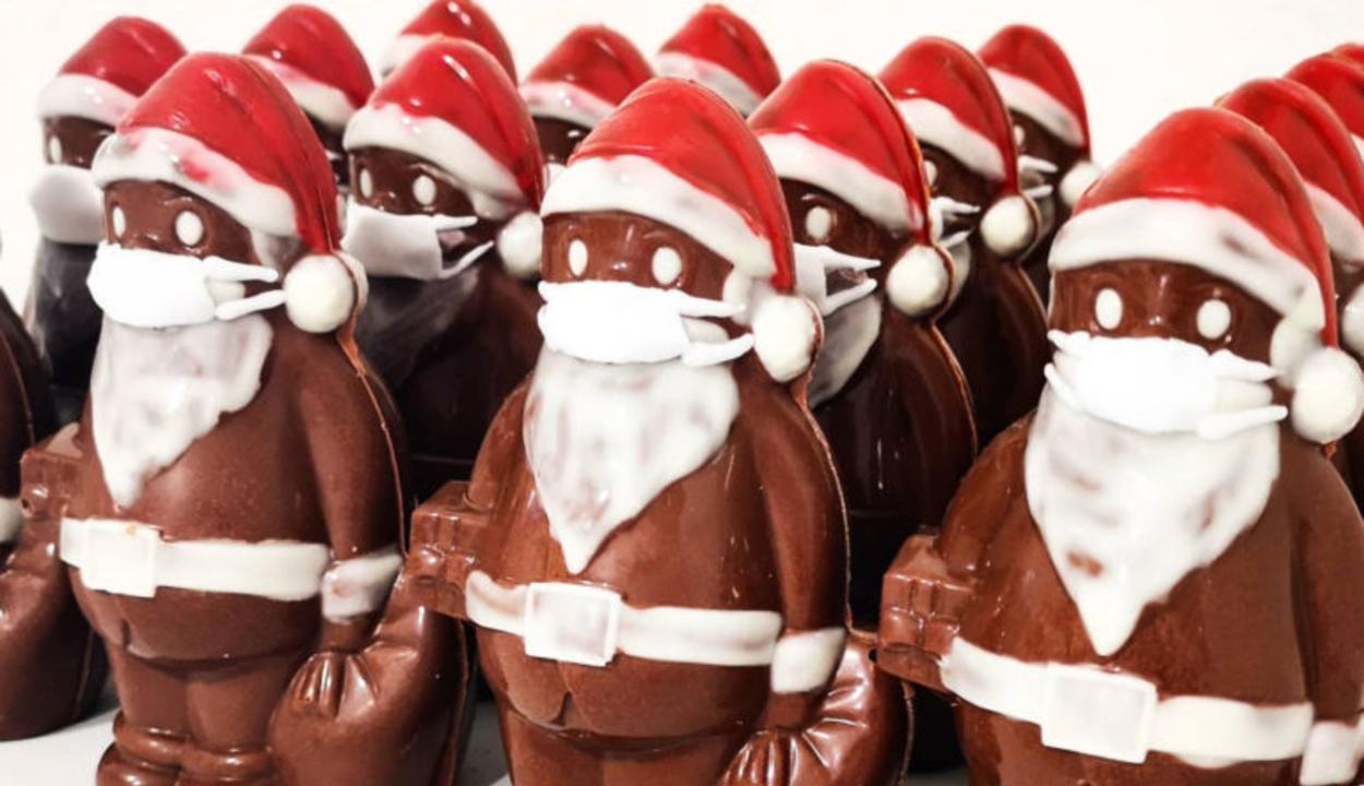 Maszkot adott a csokimikulásaira, világhírű lett a magyar cukrász