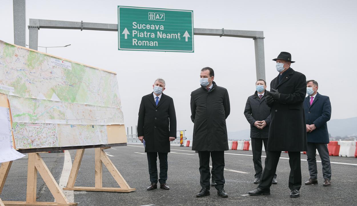 Átadták a forgalomnak a moldvai országrész első autópályaszakaszát
